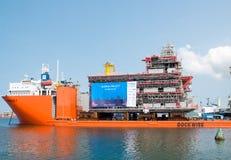 Sändning av oljeplattformenheten från Thailand till Norge Arkivbilder