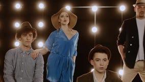 Sänger auf Stadium mit Lichtern stock footage
