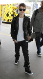 Sänger Justin Bieber am LOCKEREN Flughafen. lizenzfreie stockbilder