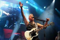 Sänger und Gitarrist Lulu Santos stockbild