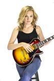Sängerin Songwriter Musician mit E-Gitarre Lizenzfreie Stockfotografie