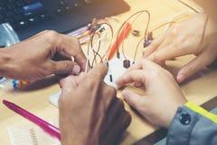 Sänker bräden för sats DIY för elektronisk kontroll för handgruppseminarium lekmanna- Arkivbilder