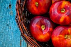 Sänker nya organiska nektariner för nya organiska plana nektariner i a Royaltyfri Foto