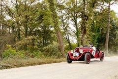 Särar röda Fiat en Balilla tagande till GPEN Nuvolari Arkivbilder