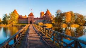 Säsong för Trakai slottnedgång Fotografering för Bildbyråer