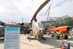 SÄTTA EN KLOCKA PÅ KOBRAN för HUEI AH-1G - amerikansk kobraattackhelikopter Royaltyfri Foto