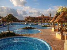sätta på land den cancun semesterorten Arkivbilder