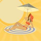 sätta på land den solbada kvinnan Arkivbild