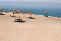 sätta på land det döda havet Arkivbild