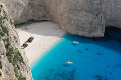 sätta på land greece öskeppsbrott zakynthos royaltyfri fotografi