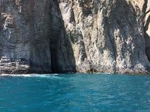 sätta på land härliga svarta den varma ukraine för sommaren för sudak för naturhavsseacoasten sikten svart crimea hav royaltyfri foto