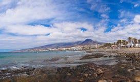 Sätta på land i den Tenerife ön - kanariefågel Arkivbild