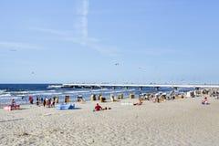 Sätta på land på det baltiska havet på sommardagen, Kolobrzeg Royaltyfri Bild