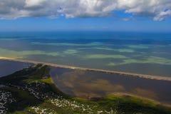 Sätta på land paradiset, den underbara stranden, strand i regionen av Arraial gör Cabo, tillstånd av Rio de Janeiro, Brasilien Sy royaltyfri foto
