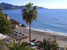 Sätta på land platsen i Nerja, en sömnig spansk feriesemesterort på Costa Del Sol nära Malaga, Andalucia, Spanien, Europa Royaltyfri Fotografi
