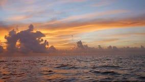 sätta på land soluppgången arkivfilmer