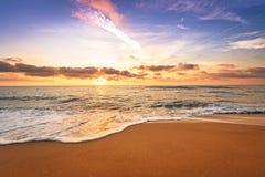 sätta på land soluppgången Arkivbilder