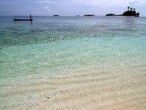 sätta på land tropisk white för den karibiska sanden Royaltyfri Bild