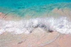 sätta på land waves Arkivbilder