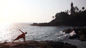 sätta på land yoga lager videofilmer