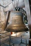Sätter en klocka på mekanismen av domkyrkan av Mechelen Fotografering för Bildbyråer