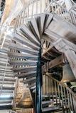 Sätter en klocka på mekanismen av domkyrkan av Mechelen Royaltyfri Bild