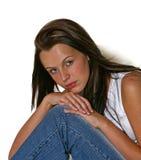 Sättigt Mädchen mit dem dunklen langen Haar Stockbilder