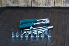 Sätze der verschiedenen Werkzeuge für die Ausführung von zahlreichen Arbeiten stockbilder