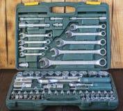 Sätze der verschiedenen Werkzeuge für die Ausführung von zahlreichen Arbeiten stockfotografie