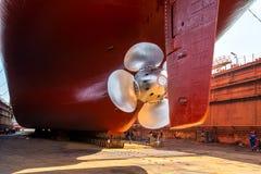 Säubern des Docks vor Immersion Stockbild