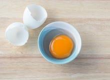 Säubern Sie Ei in einer Schüssel Stockfotografie