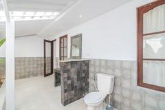 Säubern Sie Toilette Stockfotos