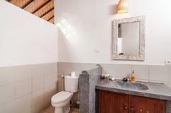 Säubern Sie Toilette Stockfoto