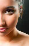 Säubern Sie Verfassung auf einem schönen Mädchen lizenzfreie stockfotos
