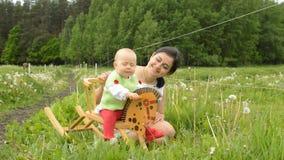 Säuglingsschaukelpferd