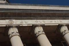 Säulen der alten Hauptleitung Stockfotos