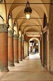Säulengänge der Bolognastadt Italien Stockfoto