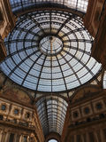 Säulengang galleria-Vittorio Emanueles II in Mailand Stockbilder