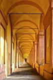 Säulengang San-Luca im Bologna, Italien Stockfoto