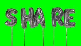 Słowo część od helu srebra balonu listów unosi się na zieleń ekranie - zdjęcie wideo