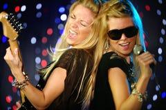 sångare för kvinnliggitarrspelare Arkivbild