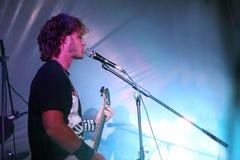 Sångare i Live Rock Concert Royaltyfria Foton