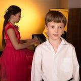 Sångare och pianist Fotografering för Bildbyråer
