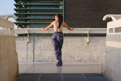 Séance d'entraînement urbaine de forme physique photos stock