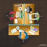 Séance de réflexion et réunion d'affaires de travail d'équipe de vecteur sur la table Images libres de droits