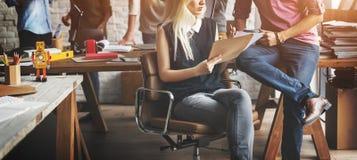 Séance de réflexion Team Working Office Colleagues Concept Image stock