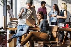 Séance de réflexion Team Working Office Colleagues Concept Image libre de droits