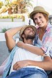 Séance heureuse de couples et caresse Image libre de droits