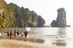 Séance photos sur le littoral, province de krabi, Thaïlande, avril 2019 photos stock