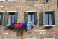 Séchage de blanchisserie sur le campo Photographie stock libre de droits